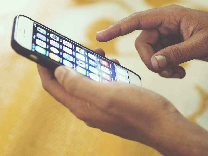 Mobile Internet Users to Hit 371 Million by June: IAMAI