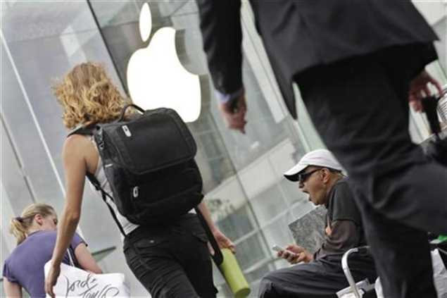 iPhone 5 frenzy builds ahead of Friday release