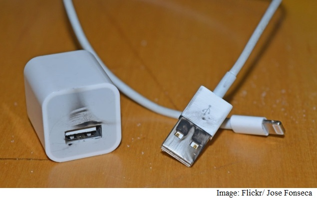iphone_charger_jose_fonseca.jpg