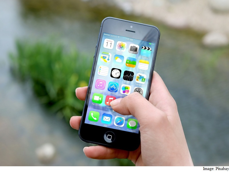 UK Orders Probe Into Classroom Disruption by Smartphones