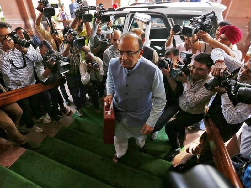 Government Unveils Digital Literacy Drive in Rural India at Budget 2016