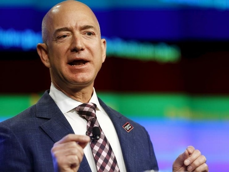 Jeff Bezos Briefly Surpasses Bill Gates as World's Richest