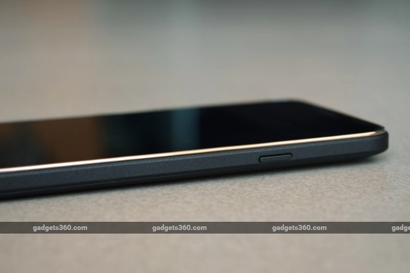 karbonn_quattro_l50hd_right_ndtv.jpg