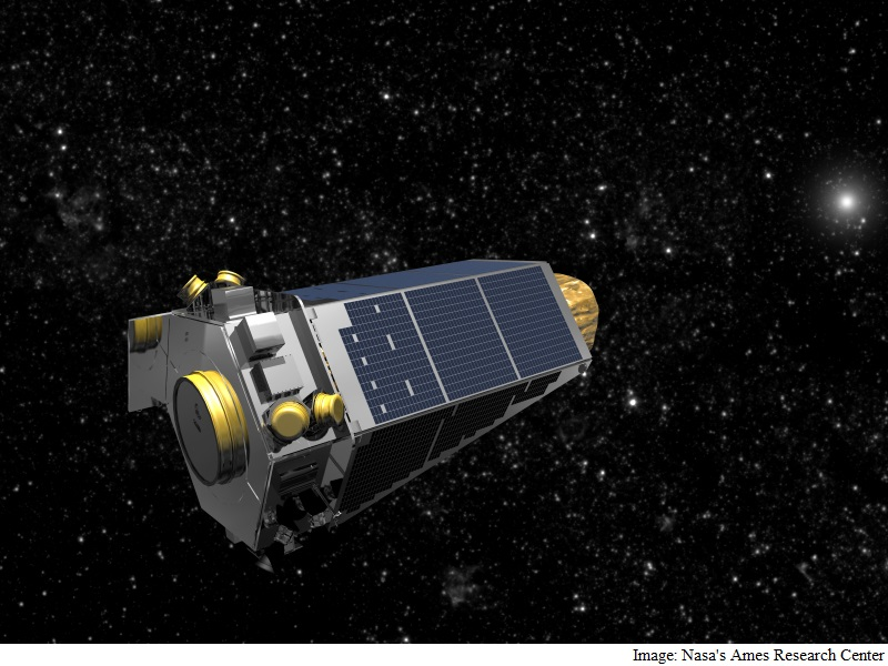 NASA's Kepler Spacecraft Downloads Science Data before beginning next campaign
