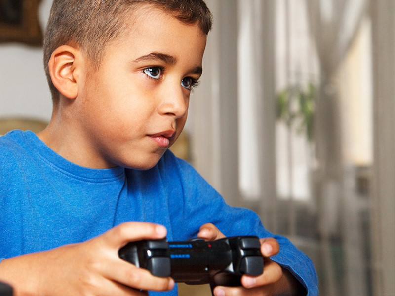 Students Who Play Online Video Games Likely to Score Better in School: Study