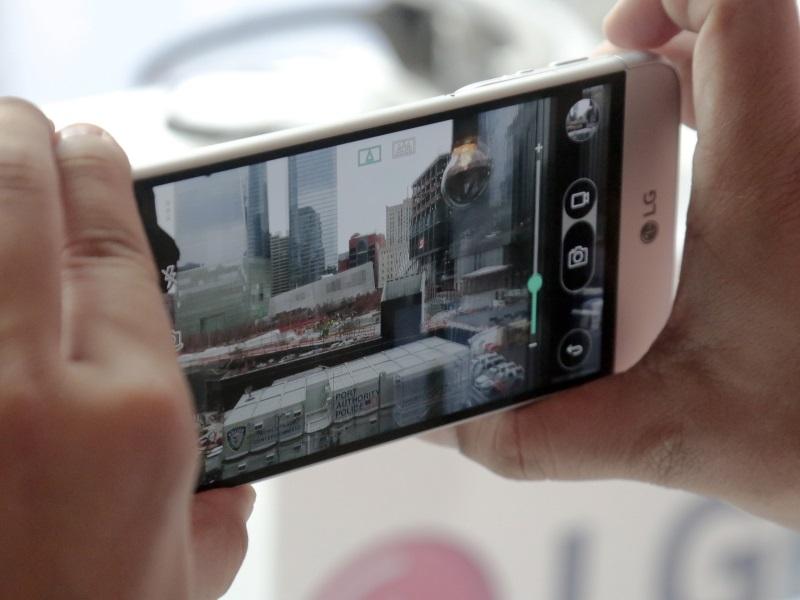LG G5 Beats Samsung Galaxy S7, Xiaomi Mi 5 at MWC 2016