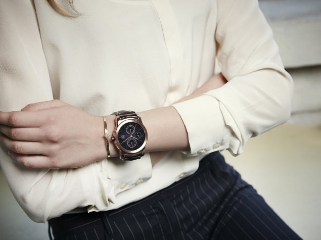 Android Wear Update Brings Wi-Fi Support, Always-On Apps, and More
