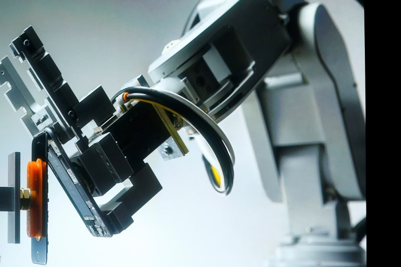 Meet Liam, the Apple Robot That Rips Apart iPhones for Recycling