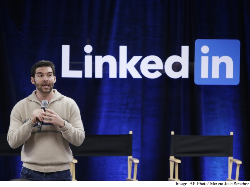 LinkedIn Reports Strong Results on Hiring Software; Posts Weak Forecast