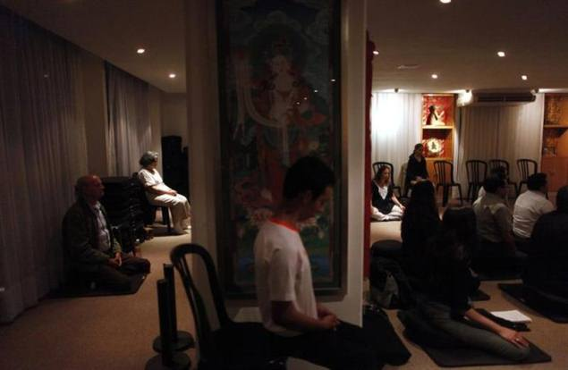 New meditation apps aim to lift spirits, calm the stressed-out