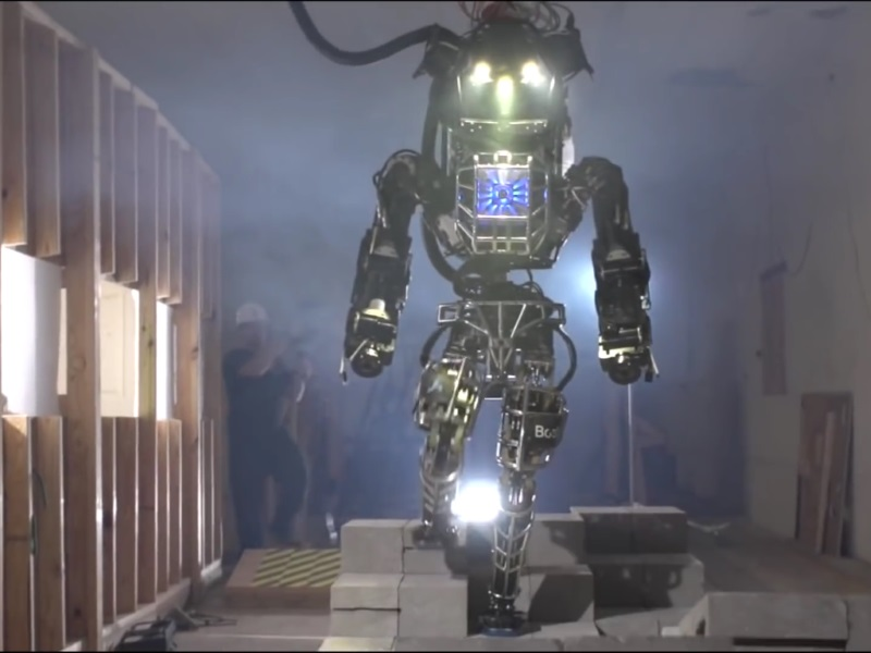 US Startup Challenges Japan to Giant Robot Battle