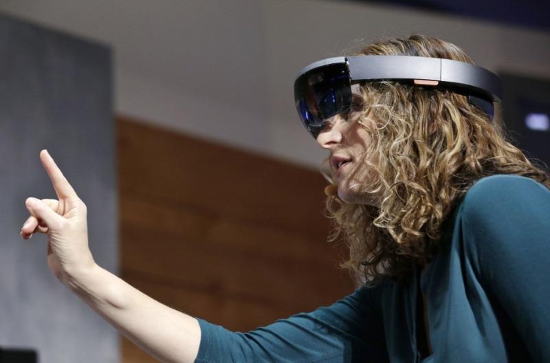 Microsoft Opens New York Studio to Showcase HoloLens Headset