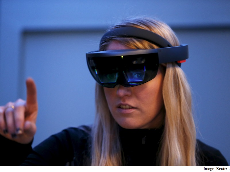 Microsoft Begins First Shipments of HoloLens