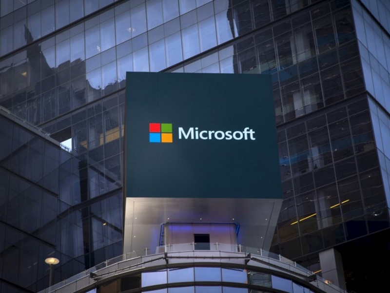 Microsoft's Secret Weapon for Growth in the Cloud: Email