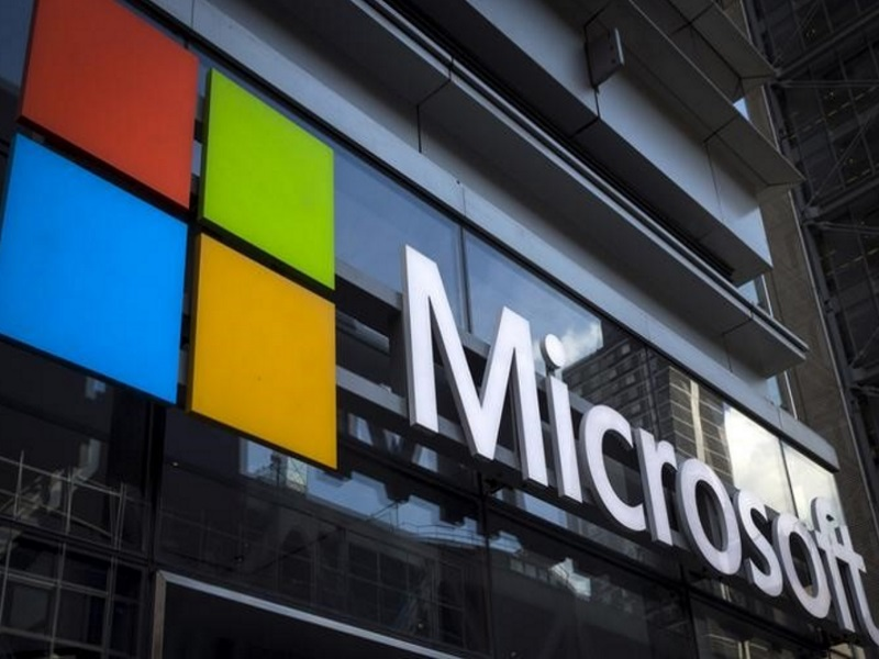 Microsoft Turns Spotlight on Cloud, Mobile With New Reporting Style