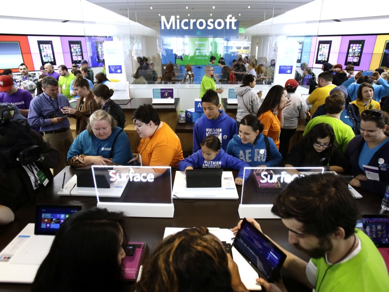 Microsoft Sees Growth in Surface as Windows Phone Continues to Fall