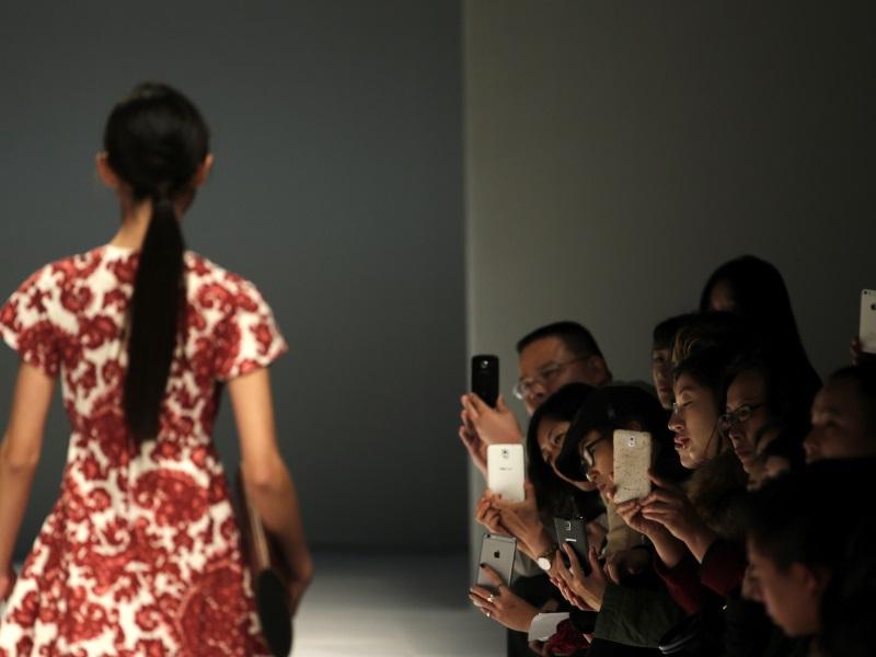 Japan Camera Makers Battle Smartphone Onslaught