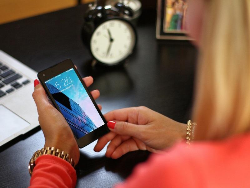 हर बजट स्मार्टफोन में होने चाहिए ये पांच फ्लैगशिप फीचर