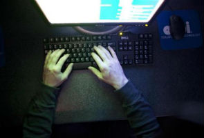 Rent a hacker to unscramble coded Web traffic for $200