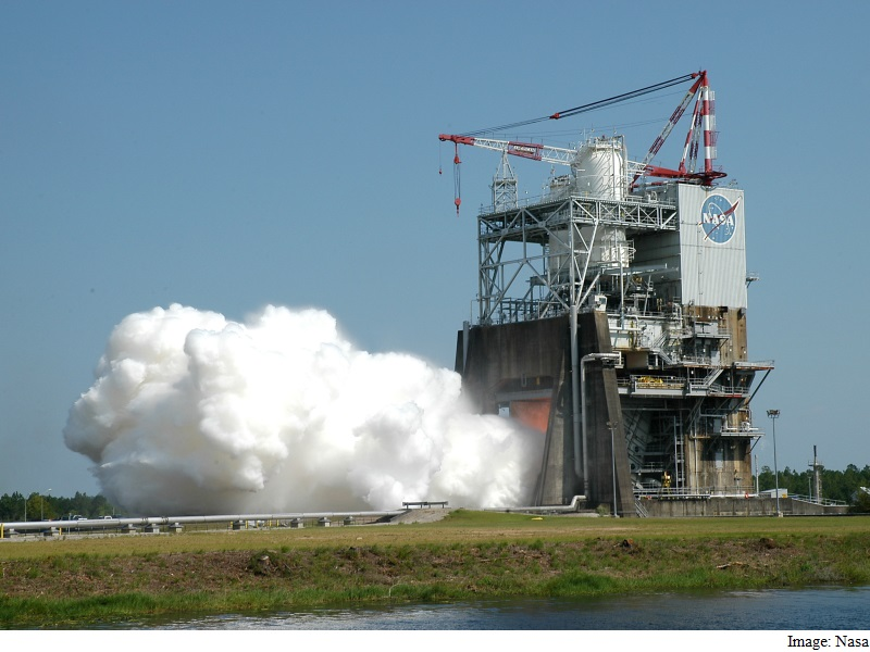 Nasa Successfully Tests SLS Space Launch System's RS-25 ...