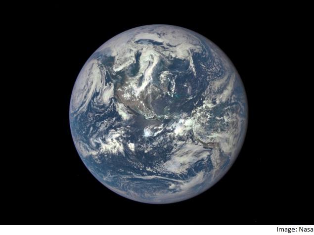 16 लाख किलोमीटर की दूरी से ली गई पृथ्वी की यह 'शानदार' तस्वीर