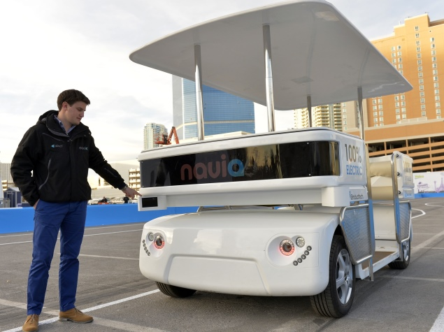 Induct introduces Navia, first commercially available driverless vehicle
