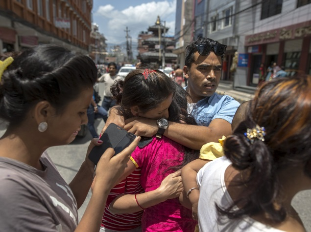 Telecom, Internet Companies Race to Reconnect Earthquake-Hit Nepal