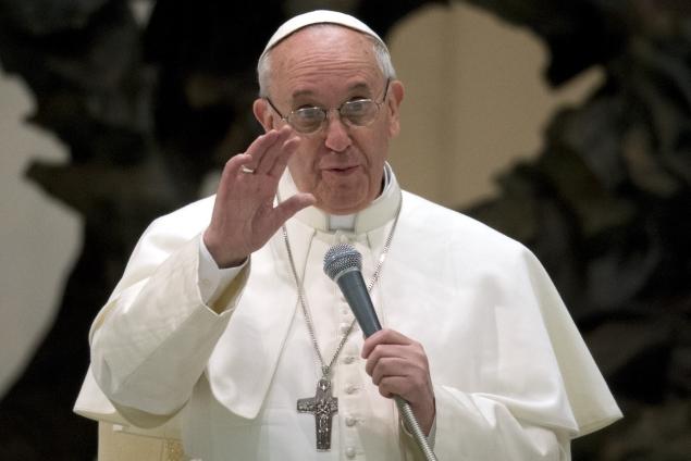 In Twitter era, Pope Francis not a social media maven