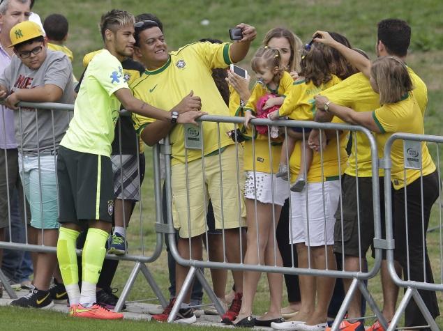 World Cup of Selfies: From Neymar to Merkel