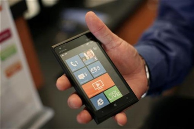 Nokia cuts prices of older Windows phones
