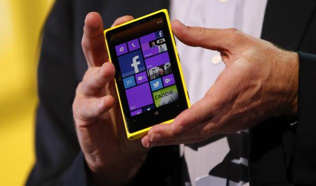 Nokia Lumia 920 gets price advantage over HTC 8X in US Windows Phone 8 battle