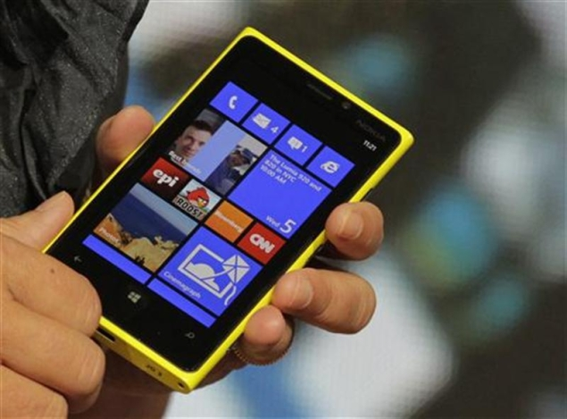 Nokia risks backlash with Lumia handset pricing