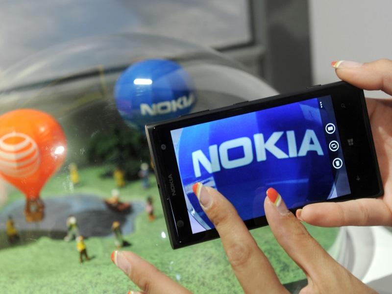 Nokia Posts Weak Quarterly Profits, Lifts Cost-Cut Target
