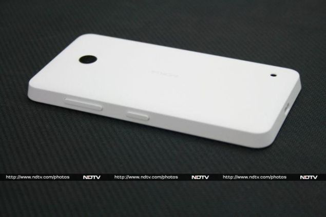 nokia_lumia_630_rear_ndtv.jpg