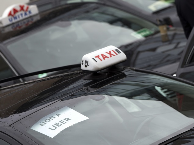 Taxis Jam Brussels in Protest Over Possible Uber Arrival