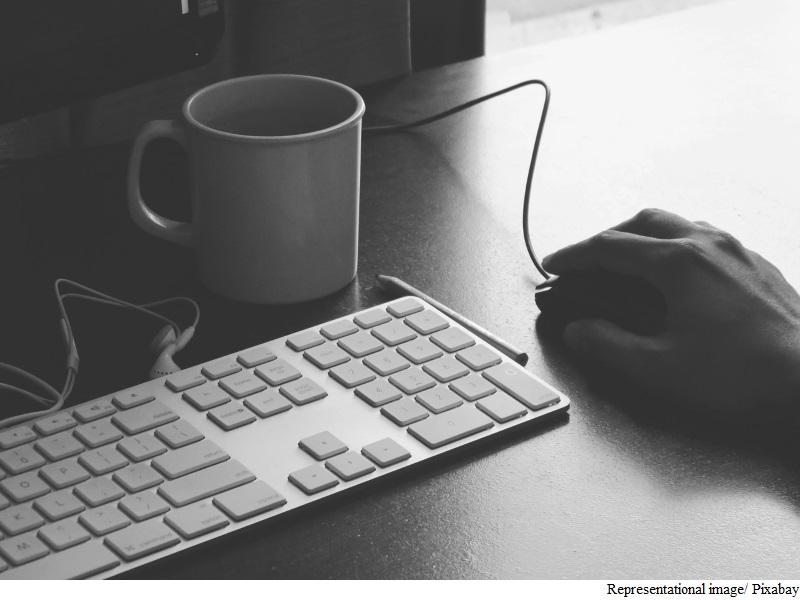 office_keyboard_pixabay.jpg