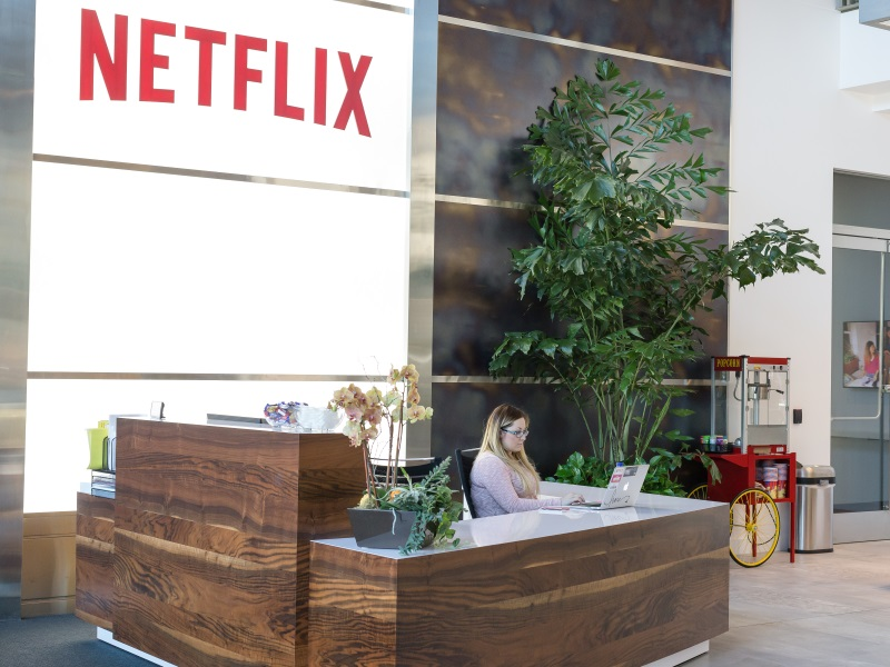 Netflix's Stunning Admission: It Throttles Video Speeds for Some Customers