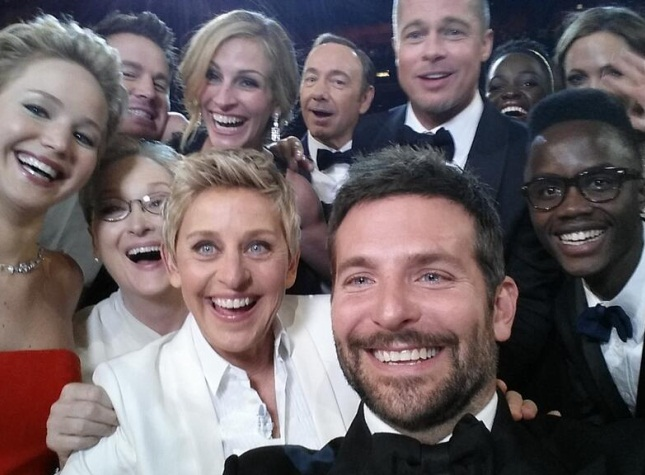 Oscar host's star-studded selfie goes viral on Twitter