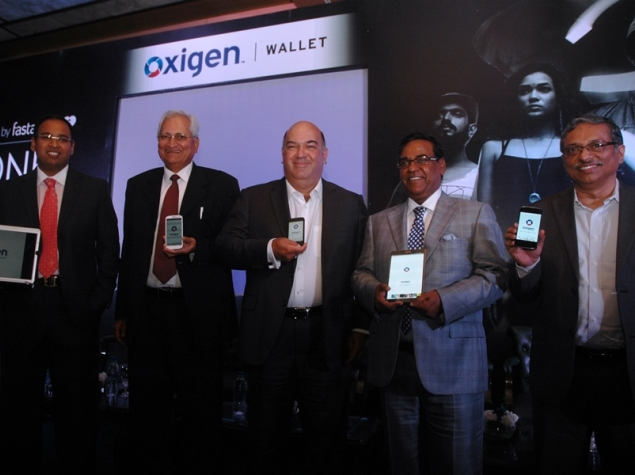 Now, Send Money Over Social Networks With Oxigen Wallet App
