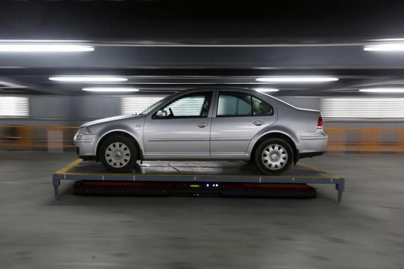 parking_robot_reuters.jpg