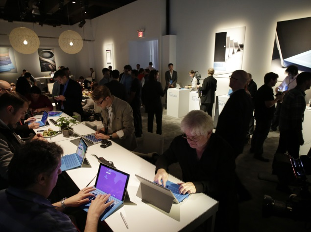 people_using_microsoft_surface_pro_3_at_launch_ap.jpg