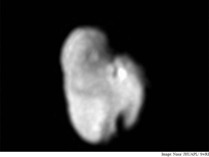 Nasa's New Horizons Probe Spots Pristine Water Ice on Pluto Moon Hydra
