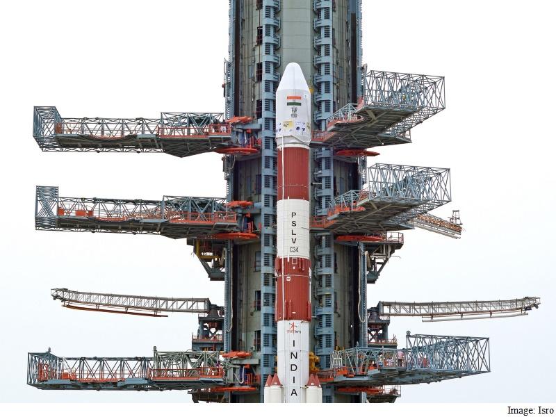 इसरो ने बनाया नया रिकॉर्ड, एक बार में लॉन्च किए 20 उपग्रह
