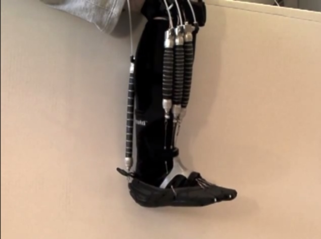 Robotic device to heal bruised muscles