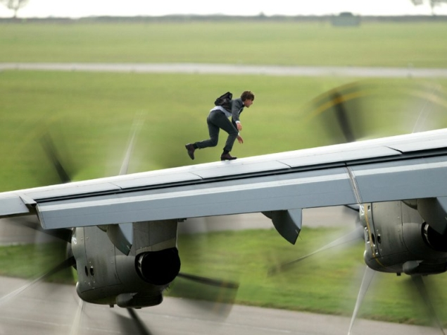 rogue_nation_plane_walk.jpg