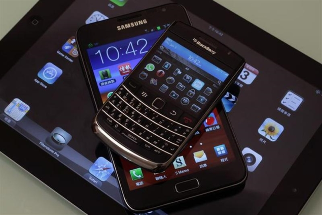 Apple, Samsung face Chinese threat in smartphones race