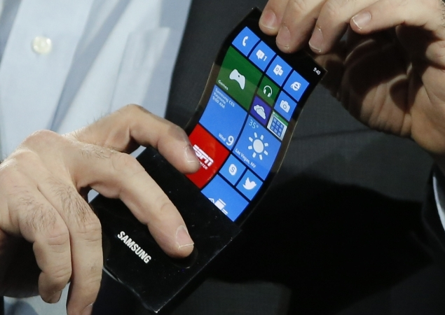 Bendable, wearable phones and cameras closer to reality