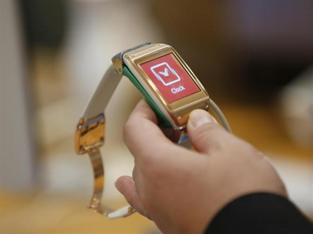 Samsung says Galaxy Gear not a failure, claims 800,000 units sold in 2 months