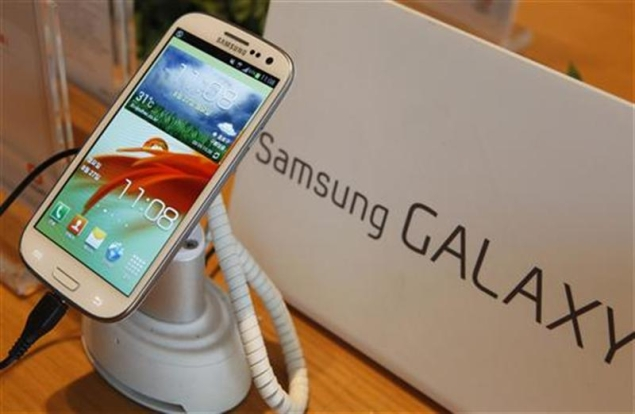 Samsung emerges as 2012's top mobile brand to end Nokia's 14-year reign