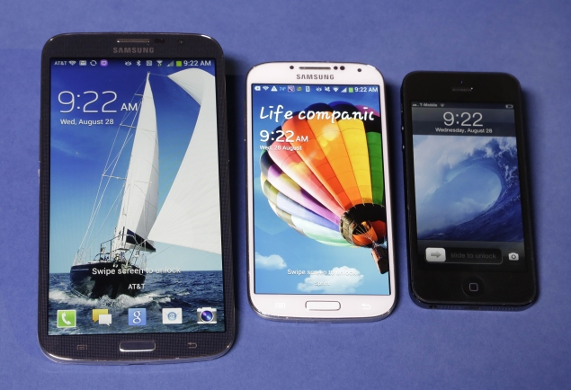 samsung-mega-s4-and-iphone-635.jpg